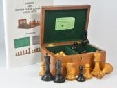 REF1827 Jaques Club Size Staunton Chessmen & Box.